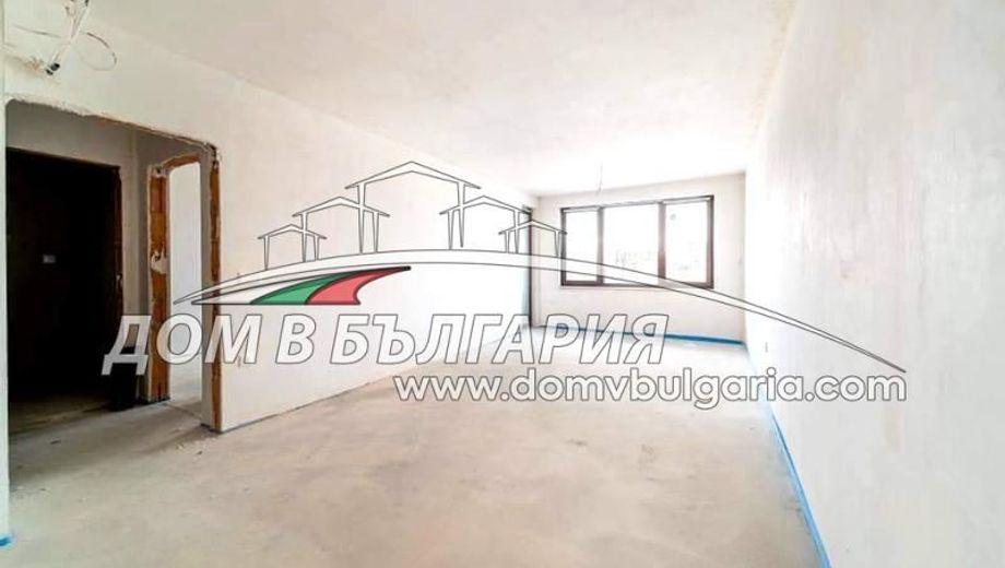 тристаен апартамент варна al881fxh