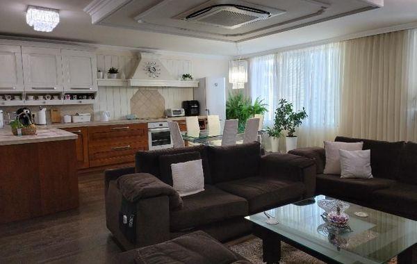 тристаен апартамент варна aq1816ck