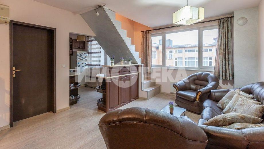 тристаен апартамент варна aqquc6j7