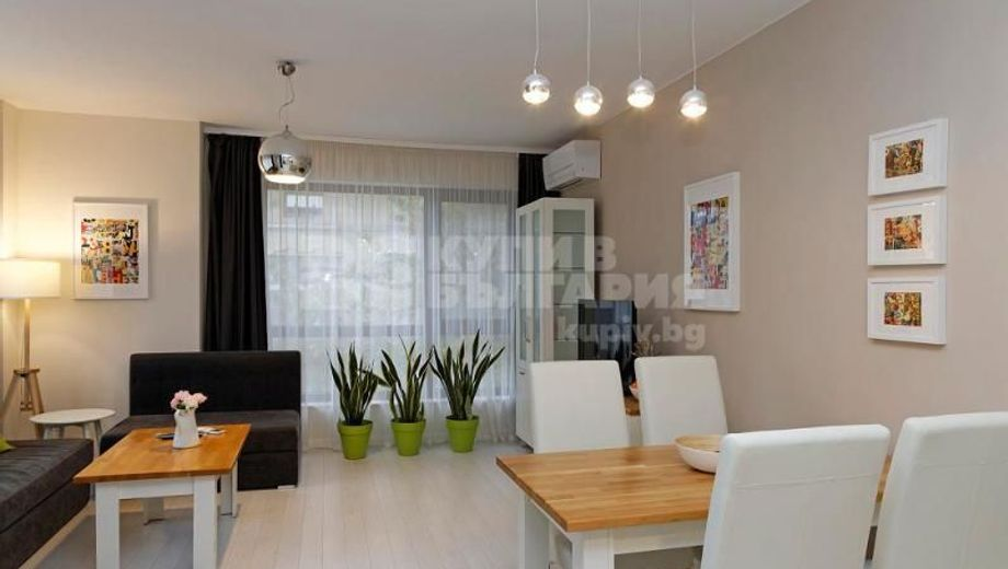 тристаен апартамент варна awws5sat
