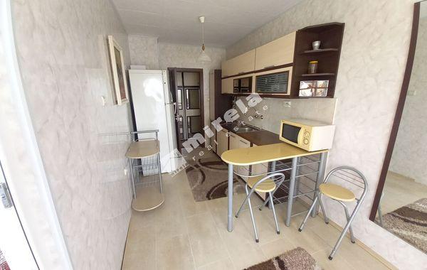 тристаен апартамент варна axrk81pl