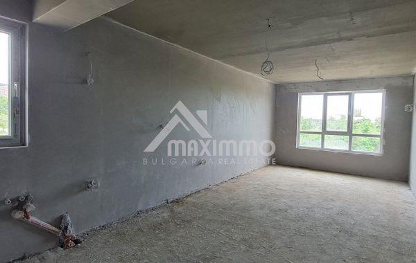 тристаен апартамент варна b3q6n436