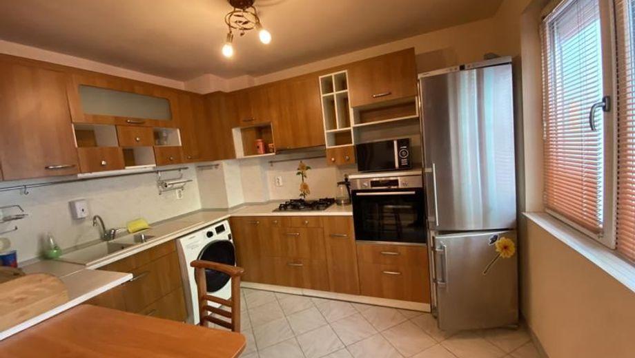 тристаен апартамент варна b7n15jwk
