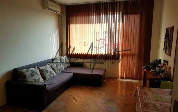 тристаен апартамент варна bmnryhgr