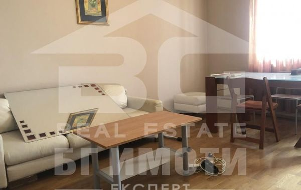 тристаен апартамент варна bun4se4g