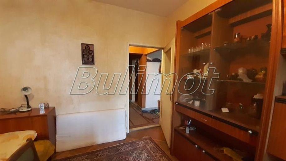 тристаен апартамент варна c75522fk