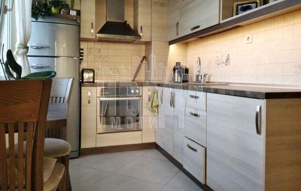 тристаен апартамент варна c7ere72v