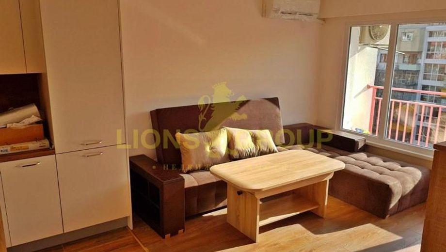 тристаен апартамент варна c9nlup92