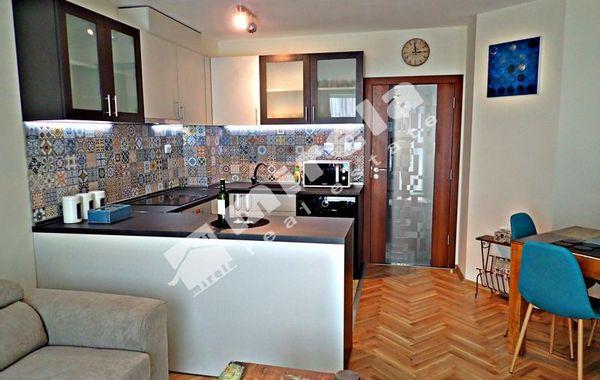 тристаен апартамент варна cec1t26d