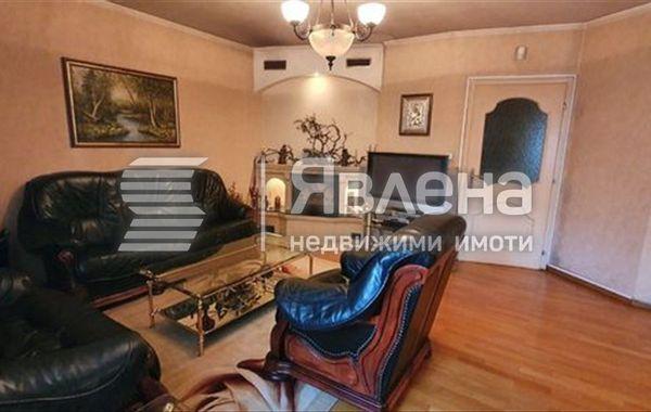 тристаен апартамент варна clwk896j