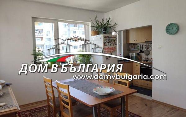 тристаен апартамент варна ct7hn4ny