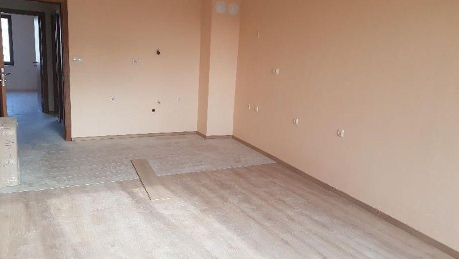 тристаен апартамент варна ct8lfp4r