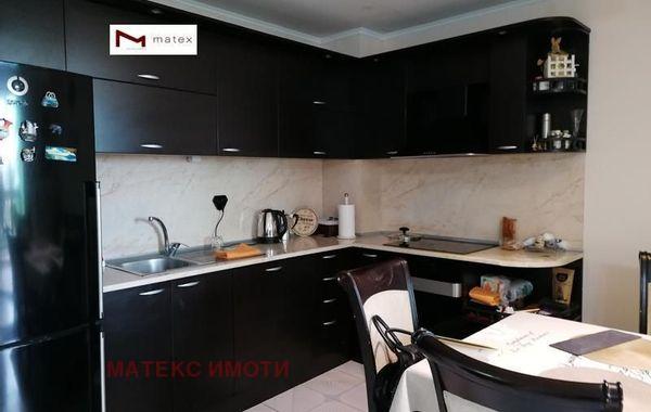 тристаен апартамент варна cw9yxlnx