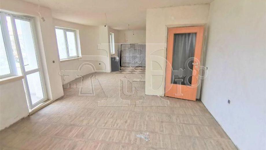 тристаен апартамент варна cyfpmyh3
