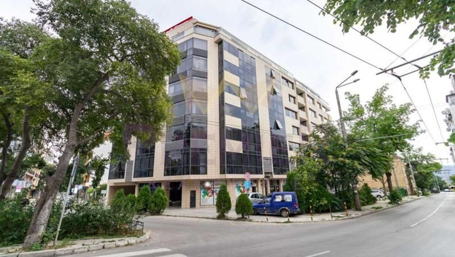 тристаен апартамент варна d38nh2rt