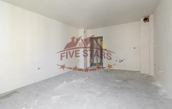тристаен апартамент варна d8bafayv