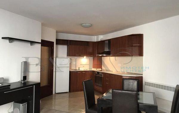 тристаен апартамент варна dfpnq8kj