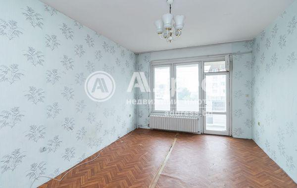 тристаен апартамент варна duq3p86u