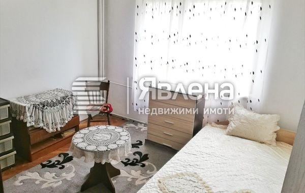 тристаен апартамент варна e25qrp3s