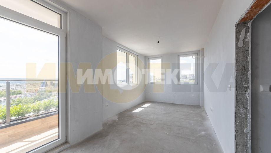 тристаен апартамент варна e2kvccv4