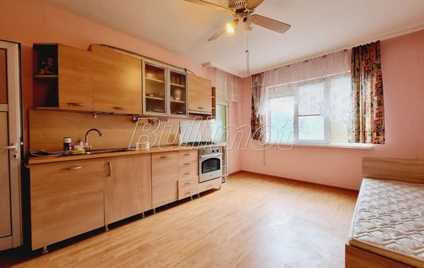 тристаен апартамент варна e2ud2r6l
