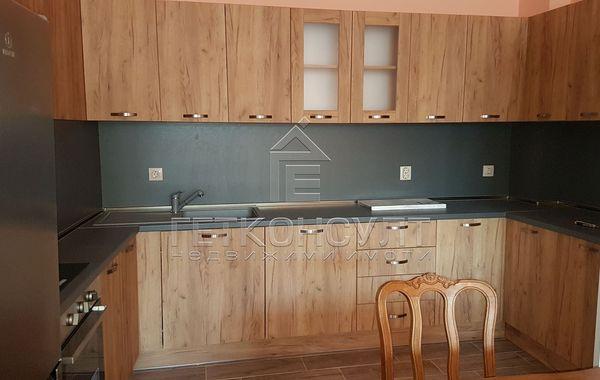 тристаен апартамент варна e3r9tepy