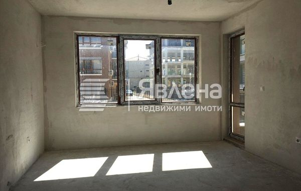 тристаен апартамент варна e4d19gxn