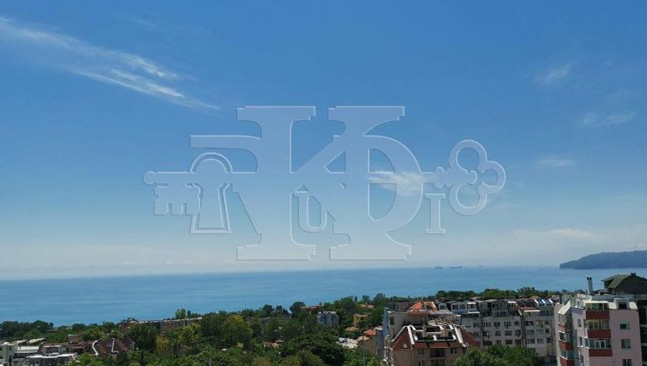 тристаен апартамент варна e7m31yvg
