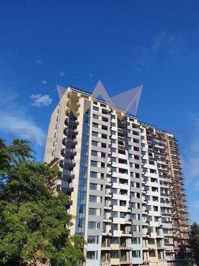 тристаен апартамент варна e9m1flwa