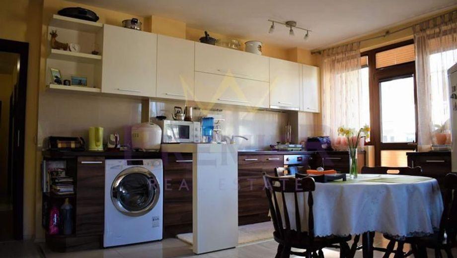 тристаен апартамент варна ebfhfy9s