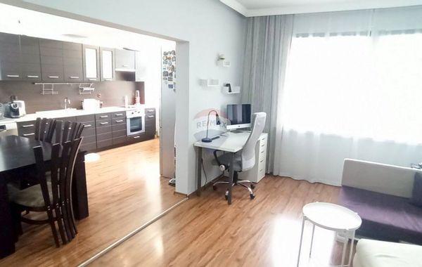 тристаен апартамент варна ef8se6h3