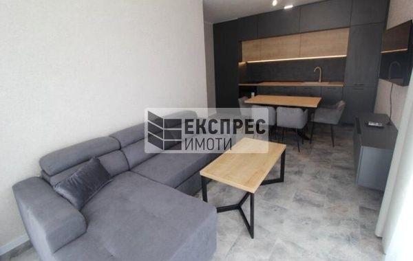тристаен апартамент варна efjpmj7r