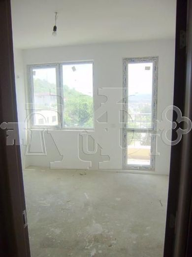 тристаен апартамент варна epy2p434