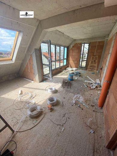 тристаен апартамент варна eu131rv4