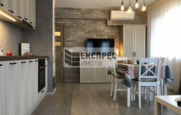 тристаен апартамент варна fkns5w3x