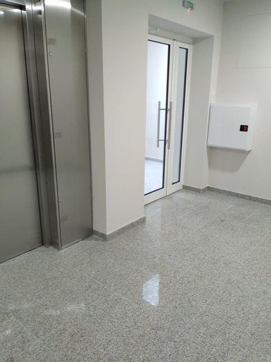 тристаен апартамент варна fuhjuw27