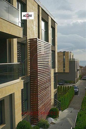 тристаен апартамент варна fxdj8v5r