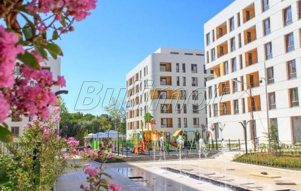 тристаен апартамент варна g389m12q