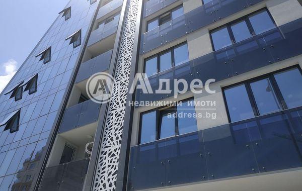 тристаен апартамент варна gh6m2n4n