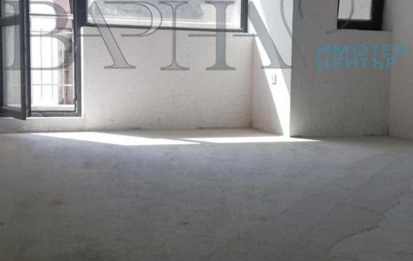 тристаен апартамент варна gpfkfwcu