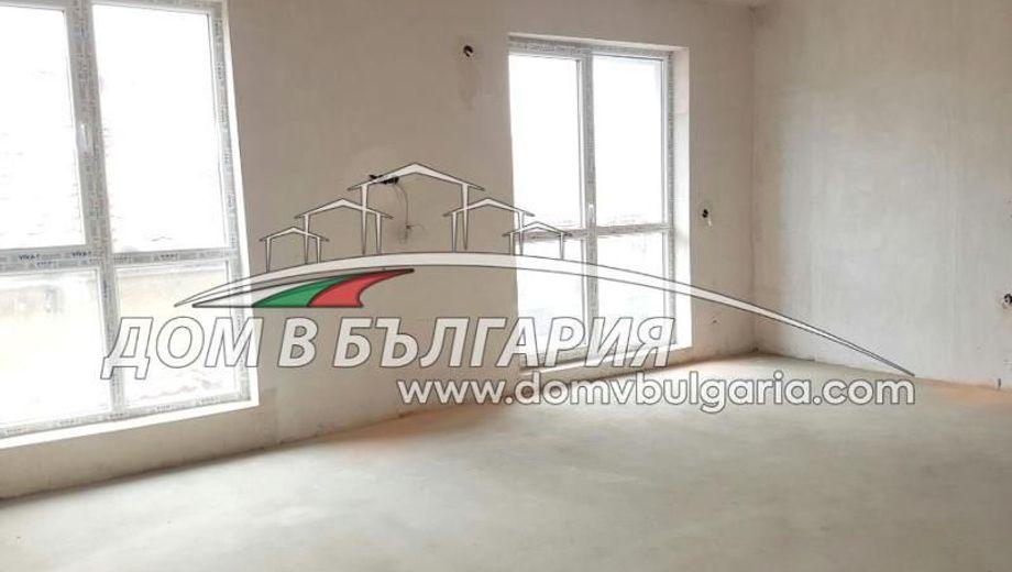 тристаен апартамент варна gt2xfgk3