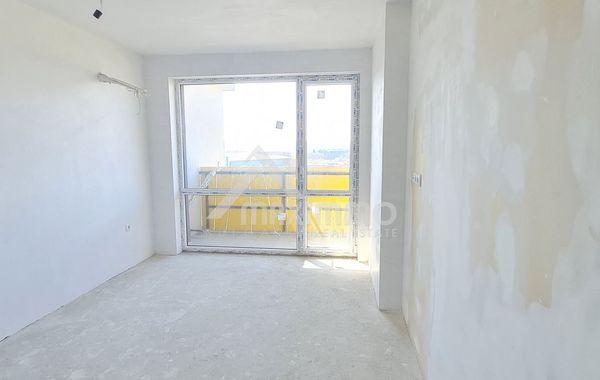 тристаен апартамент варна gwldw37c