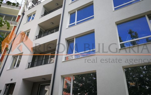 тристаен апартамент варна h434wrkj