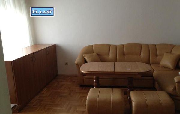 тристаен апартамент варна h6yyu1kp