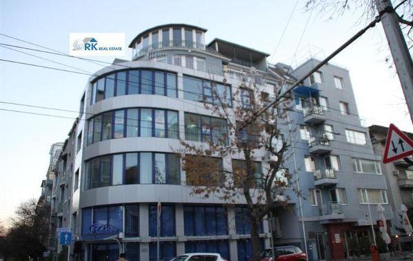 тристаен апартамент варна hc7vv7h8
