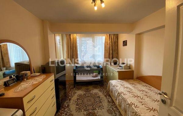 тристаен апартамент варна hgl2n8jb