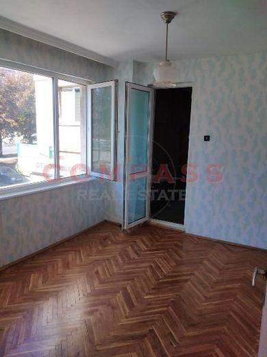 тристаен апартамент варна hh95y8bl
