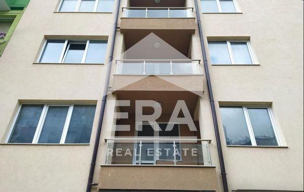тристаен апартамент варна hkf5tull
