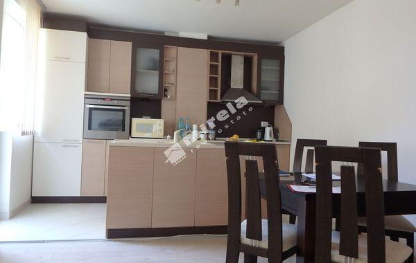 тристаен апартамент варна hy37la8j