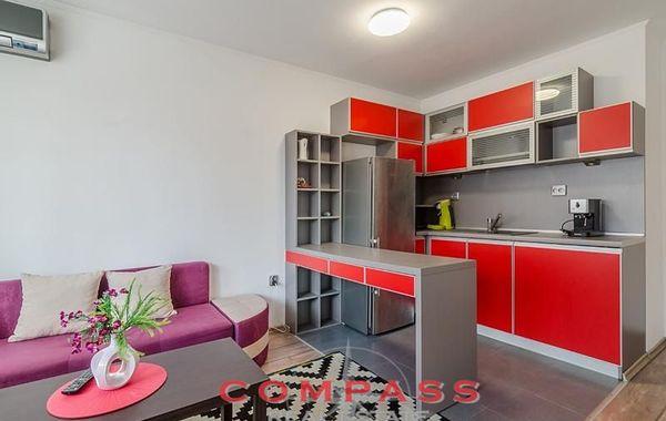 тристаен апартамент варна hyb97s4c